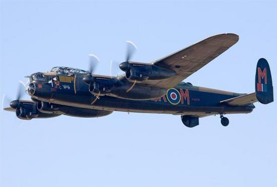 Guerre 39 - 45  :  1.000 avions sur cologne Avro-l10
