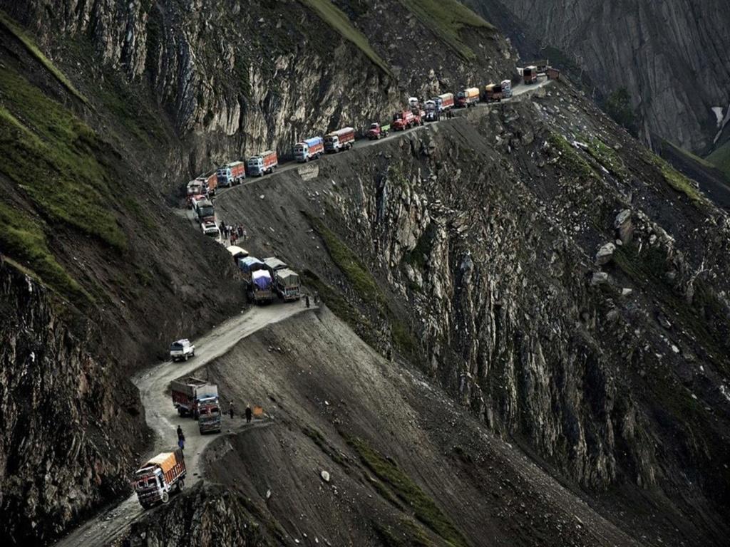 Tu aimes conduire sur des routes pittoresques ? Voilà de beaux itinéraires ! Jj10