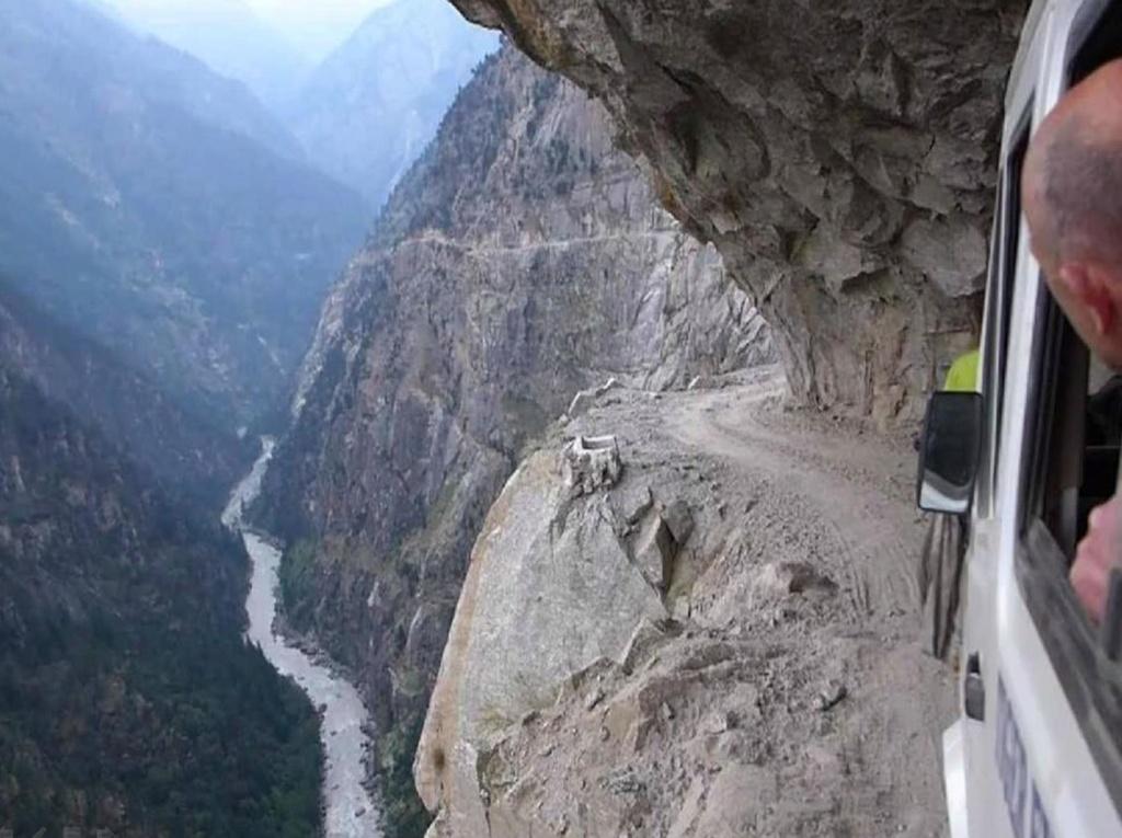 Tu aimes conduire sur des routes pittoresques ? Voilà de beaux itinéraires ! Nn10