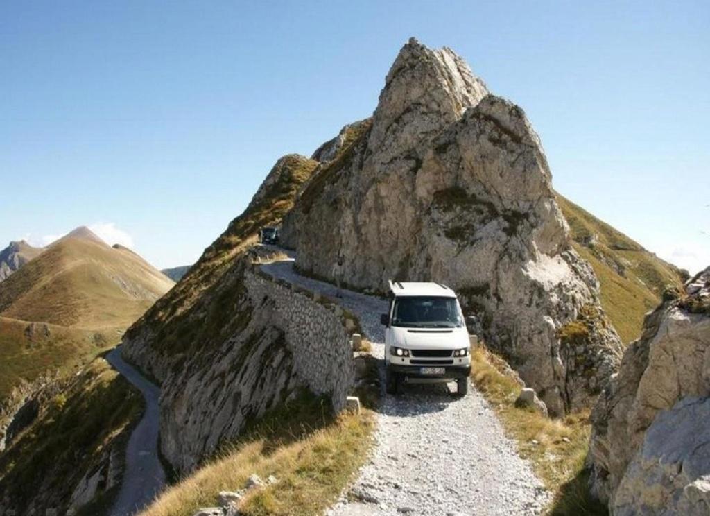 Tu aimes conduire sur des routes pittoresques ? Voilà de beaux itinéraires ! Pp10