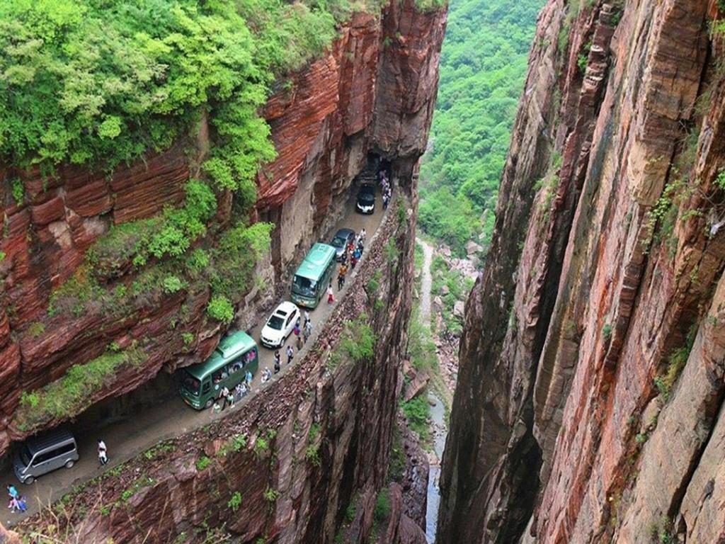 Tu aimes conduire sur des routes pittoresques ? Voilà de beaux itinéraires ! Rr10