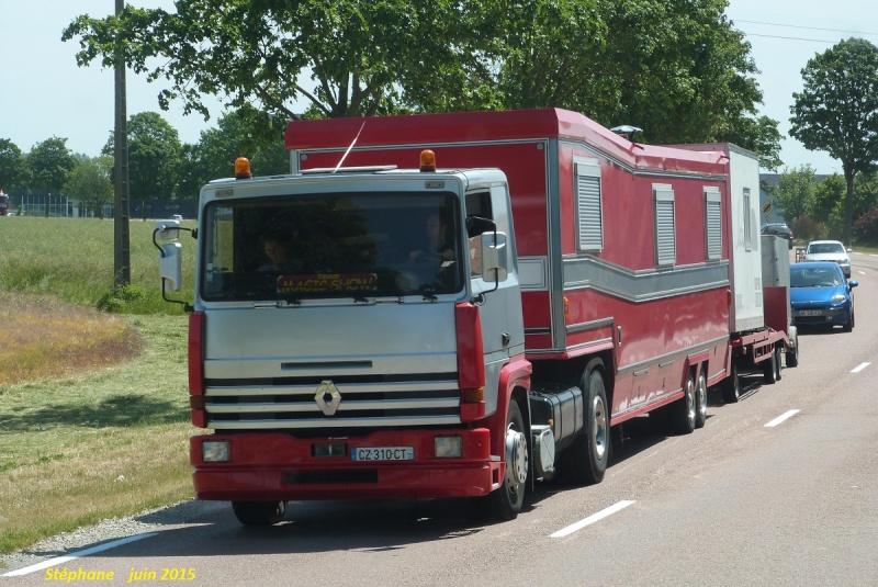 Les Camions des forains - Page 5 P1320713