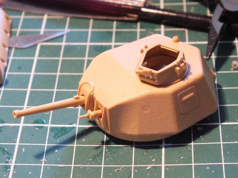 Somua S35 Tamiya 1/35 (déco Beute Panzer) réf.35344 montage terminé Dscf8030