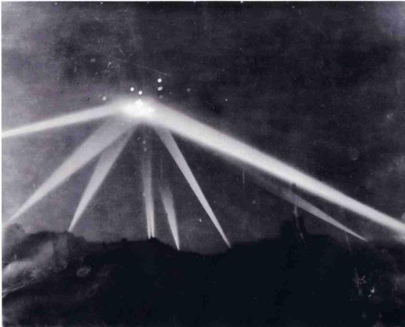 Le Projecteur de 150 cm Sw. 37 et sa remorques SdAnh. 104 Projec10