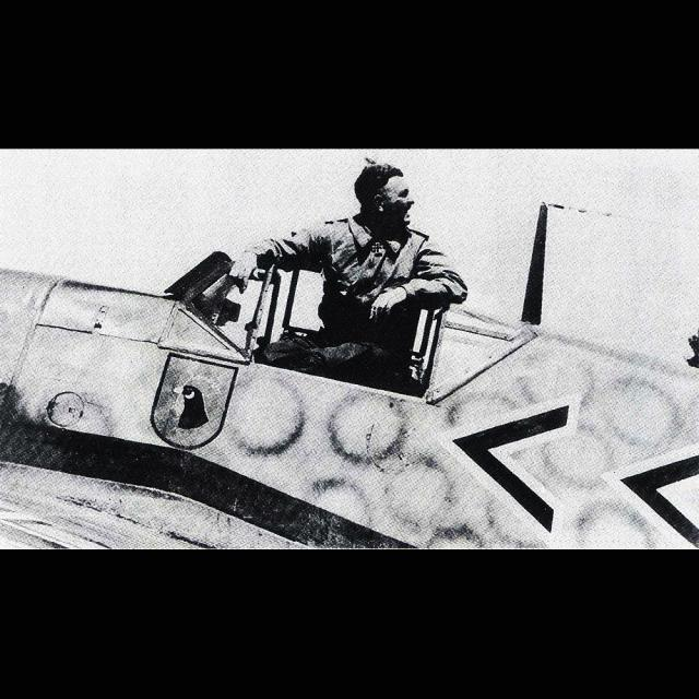MESSERSCMITT Bf109 f2  DE HANS VON HAHN Messer11