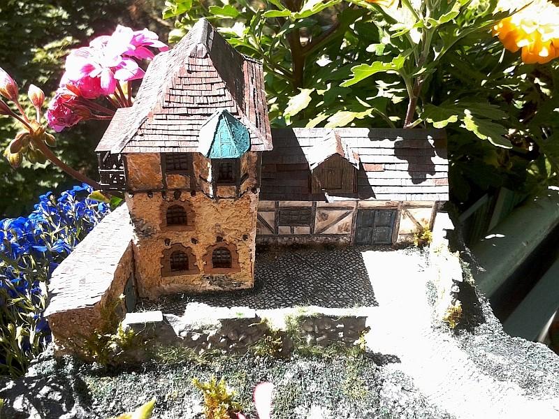 Die alte Herberge. Ein kleines Diorama in 1:100 - Seite 9 Erker013