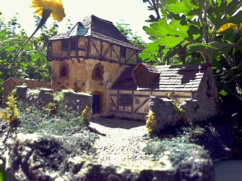 Die alte Herberge. Ein kleines Diorama in 1:100 - Seite 9 Erker014