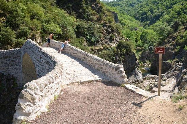 le pont du diable en Ardèche Diable11