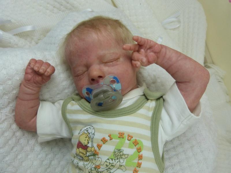 Asher asleep Realborn P1050027