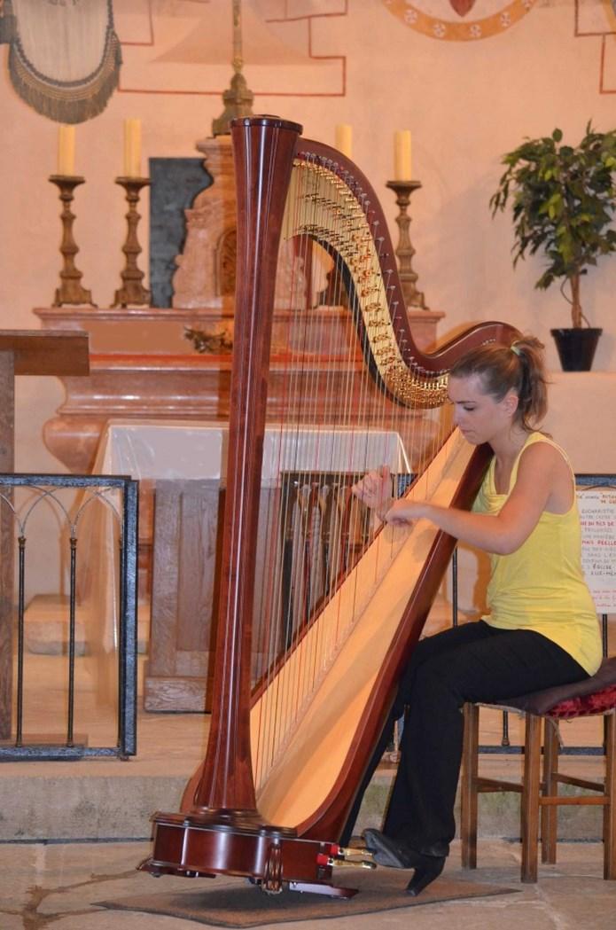 Concert à l'église  Récital de Harpe Samedi 8 août 2015 Anne_s10