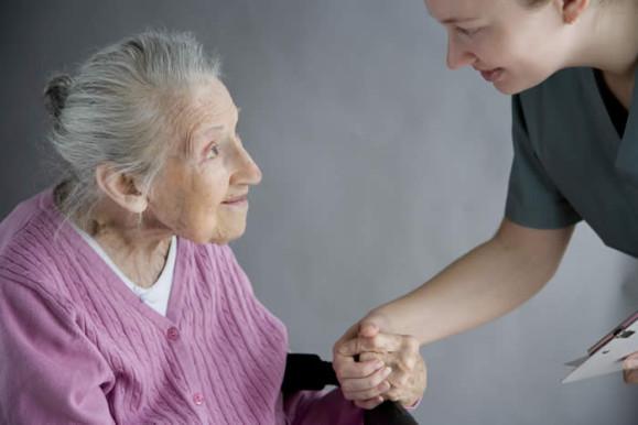 Une pensée ou prière pour les personnes âgées Person10