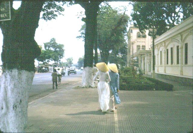 CROISEUR ÉCOLE JEANNE D'ARC - Page 21 Saigon10