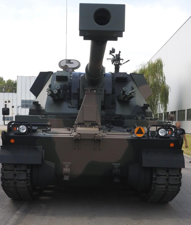 systèmes d'artilleries autotractés et autopropulsés - Page 3 Poland17