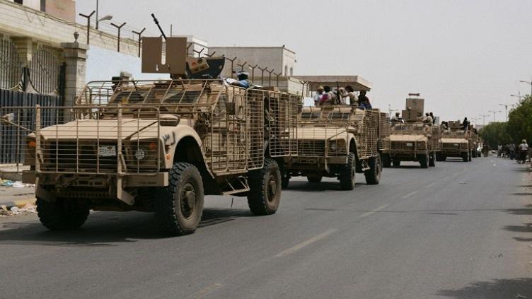 Armée Yéménite - Page 4 Yemen10