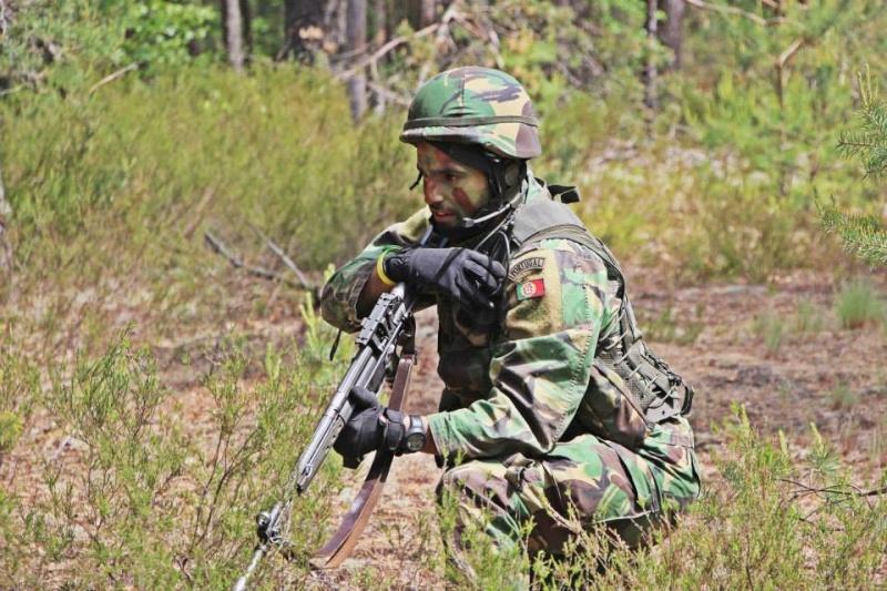 Forças Armadas Portuguesas/Portuguese Armed Forces - Page 7 1220