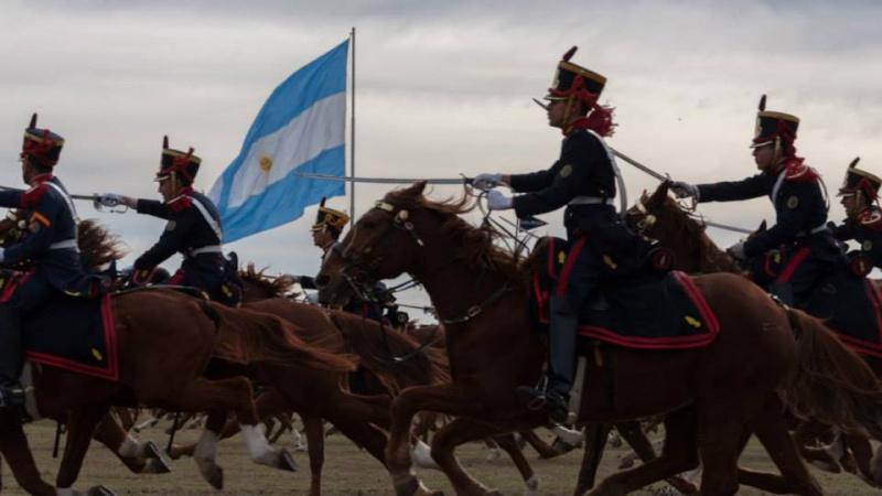Armée argentine/Fuerzas Armadas de la Republica Argentina - Page 11 1811