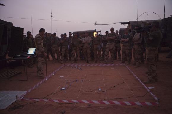 Intervention militaire au Mali - Opération Serval - Page 3 188