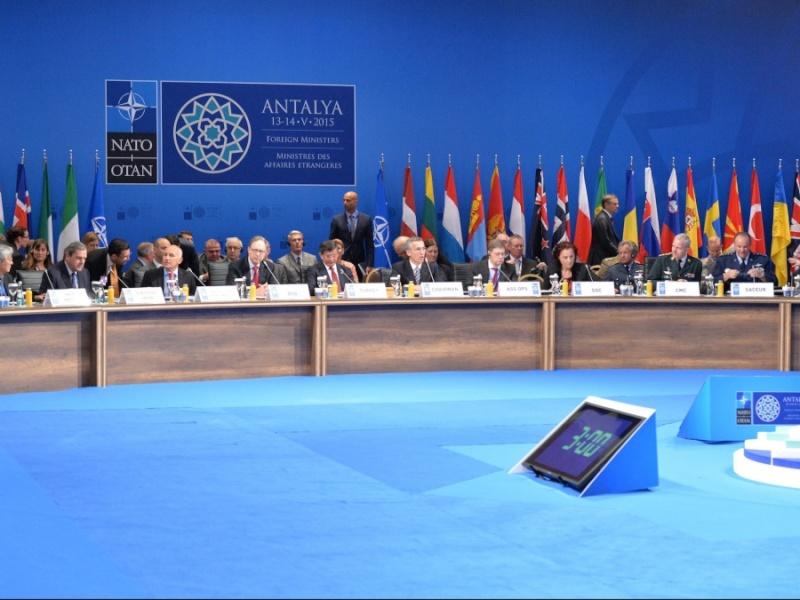L'Organisation du traité de l'Atlantique Nord - OTAN / NATO - Page 4 1c19