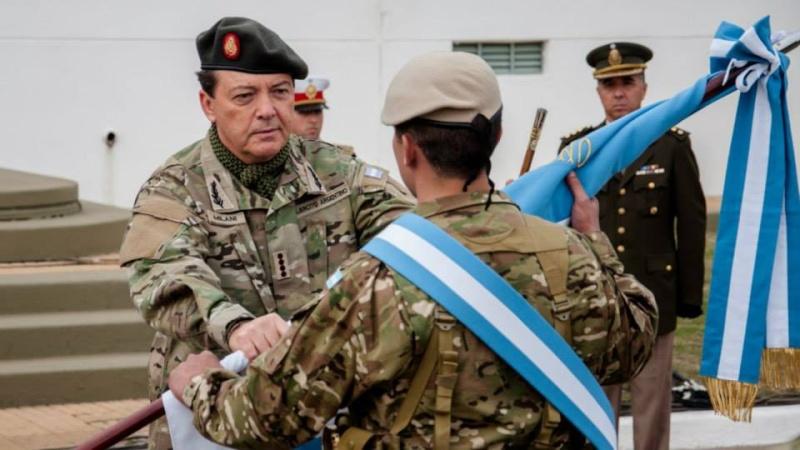Armée argentine/Fuerzas Armadas de la Republica Argentina - Page 11 213