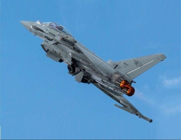 EF2000 Typhoon - Page 22 224