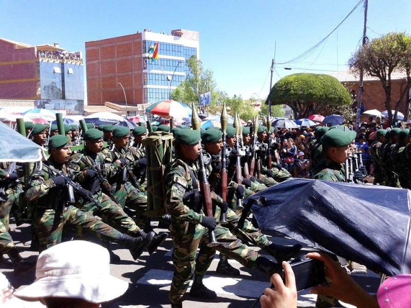 Armée bolivienne - Page 2 2524