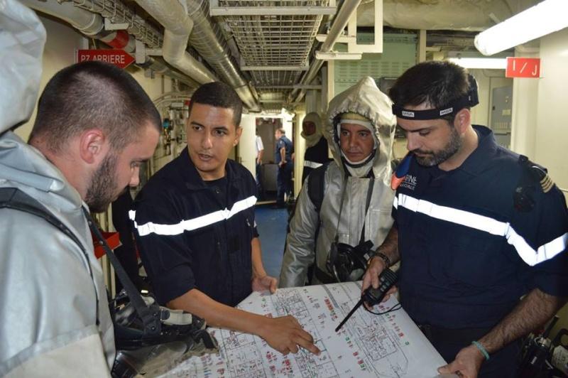 PASSEX 2015 : L'Adroit en exercice avec la RMN Mohammed V ( 611 )  260