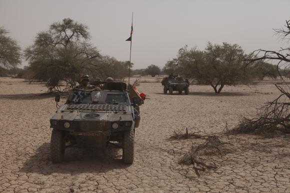 Intervention militaire au Mali - Opération Serval - Page 3 331