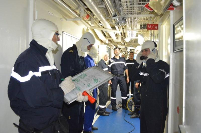 PASSEX 2015 : L'Adroit en exercice avec la RMN Mohammed V ( 611 )  349