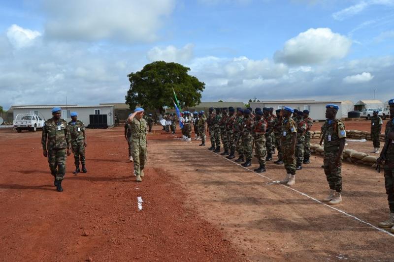 L'Armée du Bénin - Page 2 4115