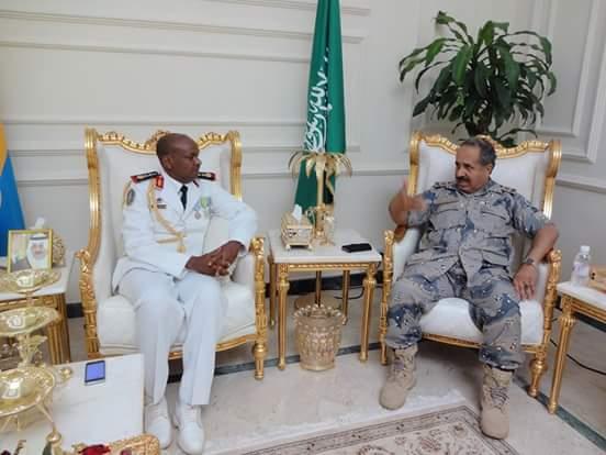 Armée djiboutienne / Djibouti National Army - Page 2 4123