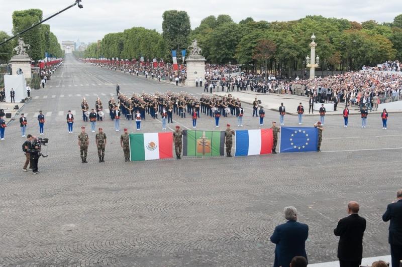 Armée Française / French Armed Forces - Page 11 4210