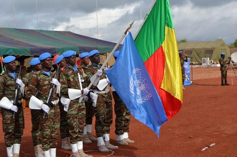 L'Armée du Bénin - Page 2 5151