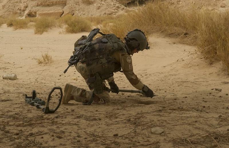 Intervention militaire au Mali - Opération Serval - Page 3 637