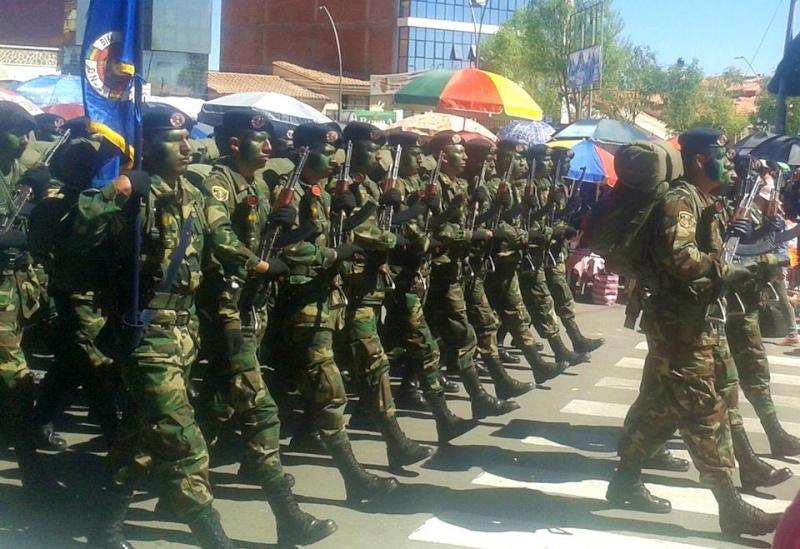 Armée bolivienne - Page 2 971