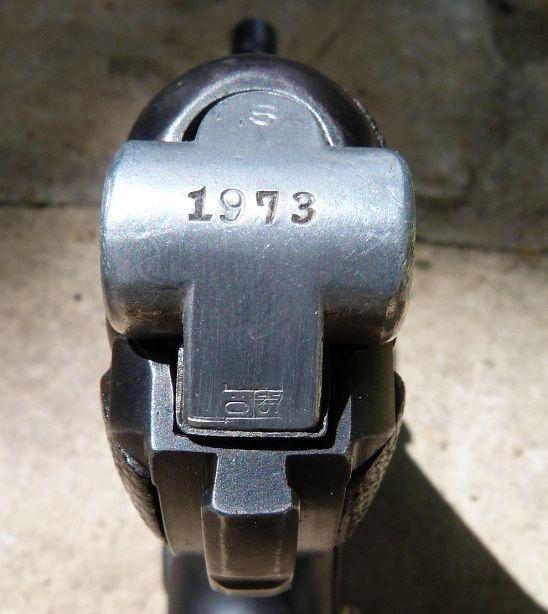 Un rare P 08 K, S/42 de la Kriegsmarine. Charge30
