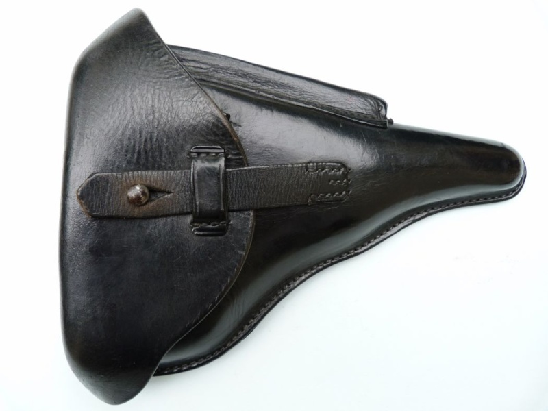 Un rare Luger de police, Erfurt-Mauser daté de 1940. Holste13