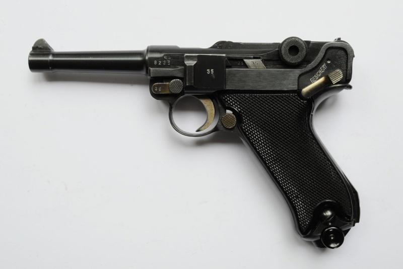 Un rare Luger commercial-armée portugaise code byf 42. Mauser21