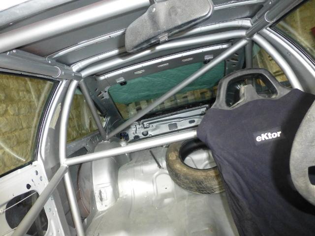 Petits trésors de parkings... Opel210