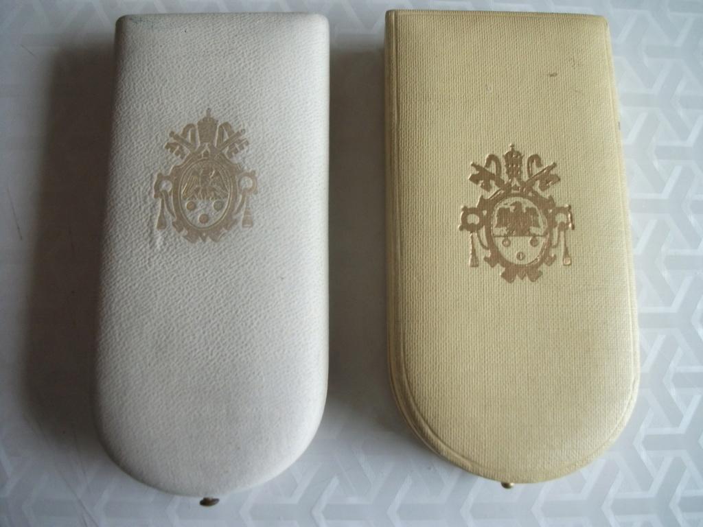 Décorations Papales 00225