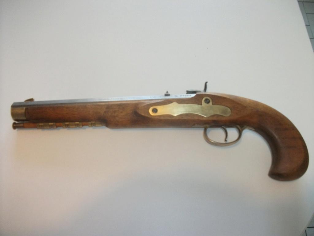 Estimation Pistolets poudre noire 00314