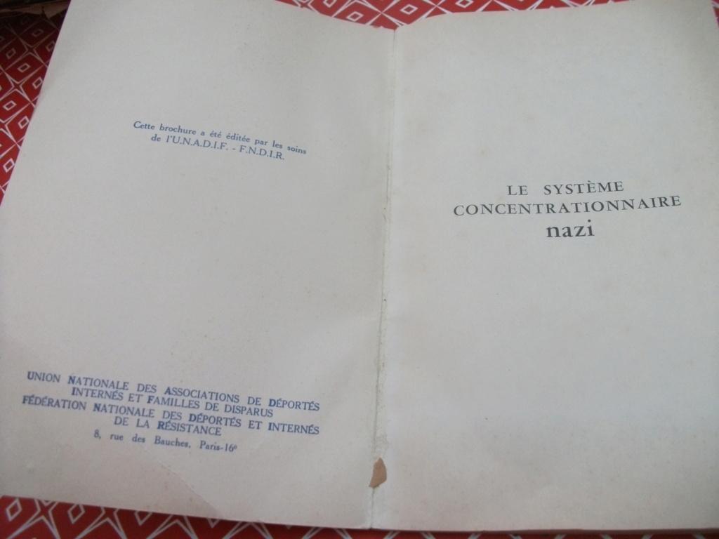 Livrets et papiers 05810