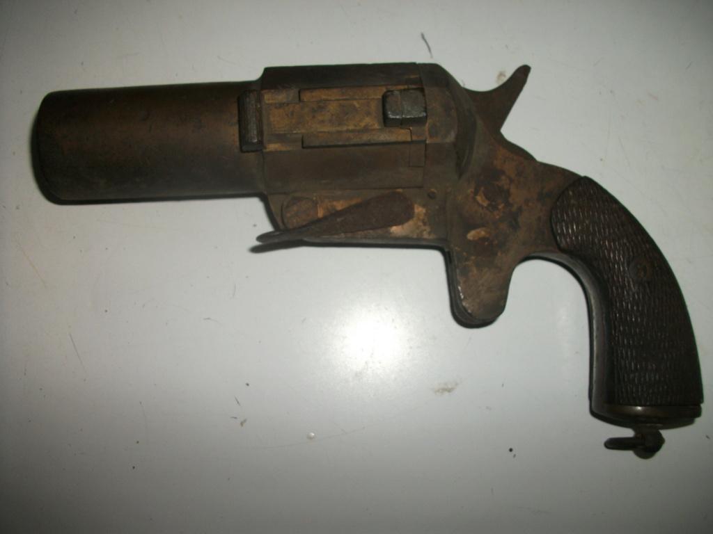 Pistolet lance fusée  Juille19