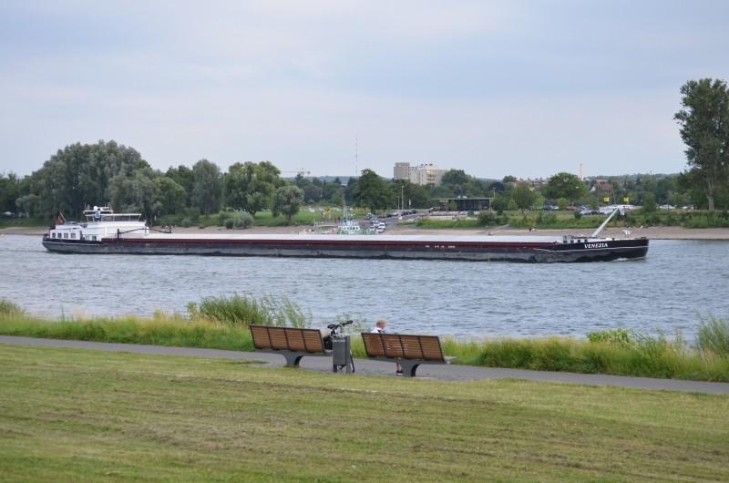 Der Rhein bei Mondorf am 22.07.2015 Dsc_0910