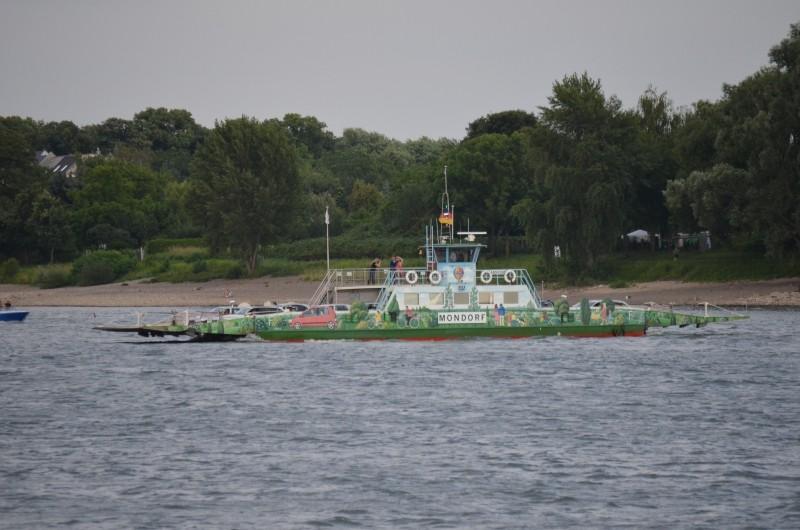 Der Rhein bei Mondorf am 22.07.2015 Dsc_1010