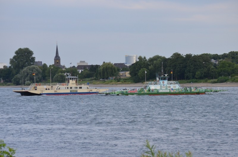 Der Rhein bei Mondorf am 22.07.2015 Dsc_1011