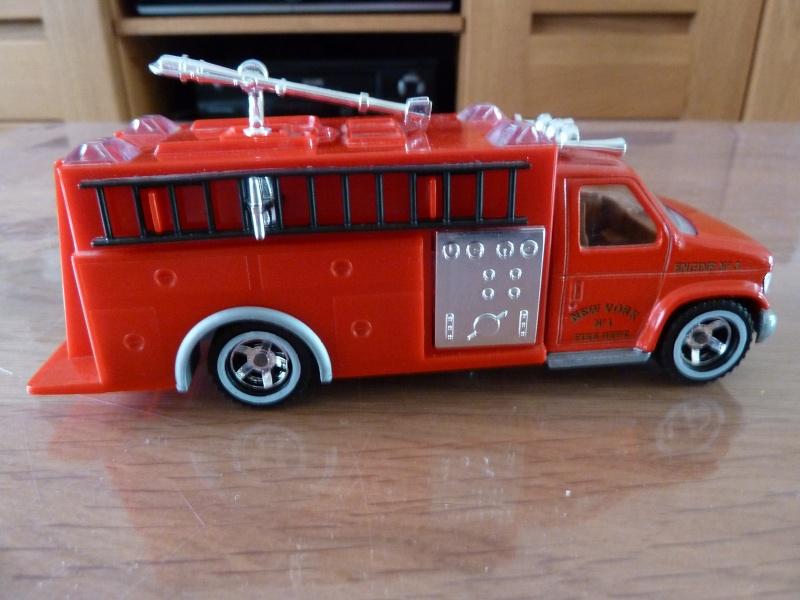 N°3030.4 - Ambulance - Pompier Fire P1060413