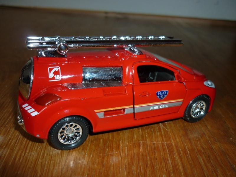 N°3038 Concept Car H2O Pile à hydrogène Pompier - Base peugeot 206 P1090721