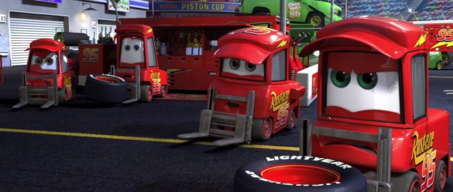 Custom ou pas) Lighting Mcqueen Crew Chief 310