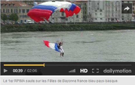 le 1er RPIMA saute sur Bayonne à l'occasion des Fêtes 1er_rp10