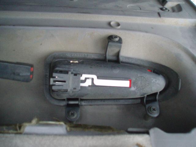 installation poignées portes chromées P6076312
